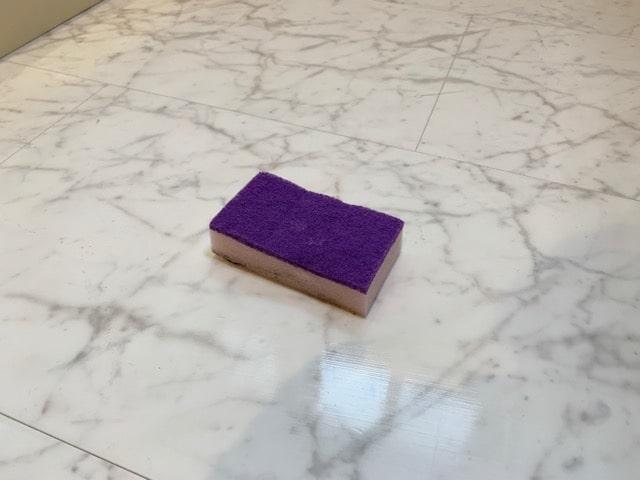 床クリーナーを広げる