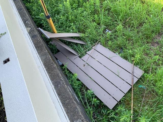 樹脂木製フェンスが飛んだ