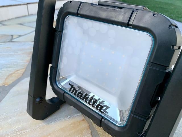 マキタ充電式LEDスタンドライトML805の外観